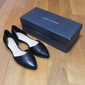 BRAND NEW Tommy Hilfiger D'orsay Flats in Black